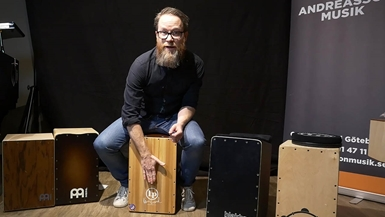 Fredrik på Andreasson Musik om cajon
