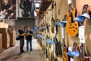 Skickligt hantverk skapar elgitarrer av högsta kvalitet - Gibson Custom Shop i Nashville