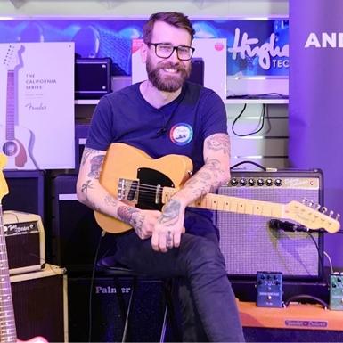 Fenders gitarrer – från radioverkstaden till de största scenerna
