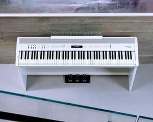 Bild för kategori Roland FP-X - Nya Kompakta Digitalpianon